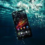 Como consertar celular que caiu na água